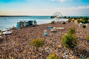 Je merk verbinden aan Strandfestival ZAND?